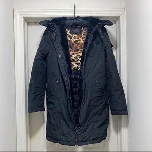 Winter Down coat. Brand: LAUNDRY BY SHELLI SEGAL